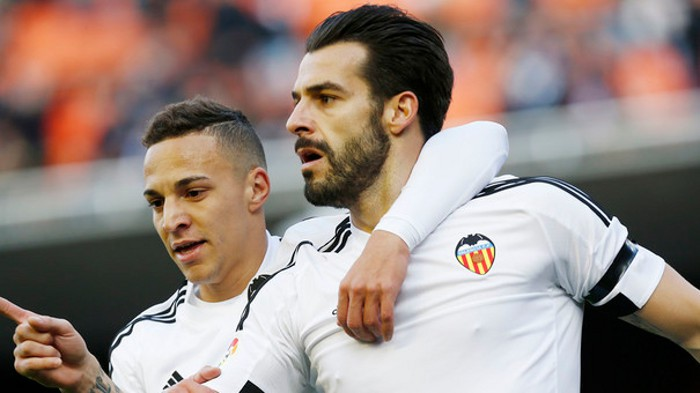 Negredo logró un hattrick en Copa