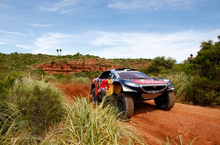 Sebastien Loeb con Peugeot en el Dakar