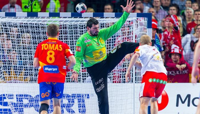 Un gran partido de Sterbik no evitó la derrota ante Dinamarca