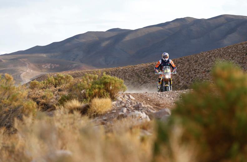 Dakar 2016: Price y Loeb ganan en motos y coches, buen día para Barreda y Sainz