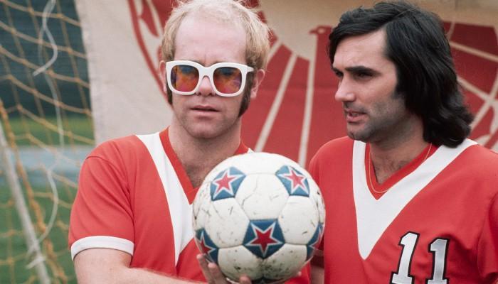 Elton John fichó a George Best para su equipo de Los Angeles
