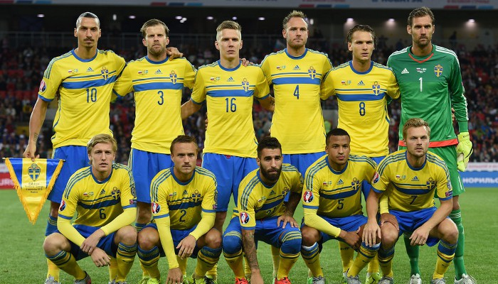 Ibrahimovic lidera por última vez a Suecia