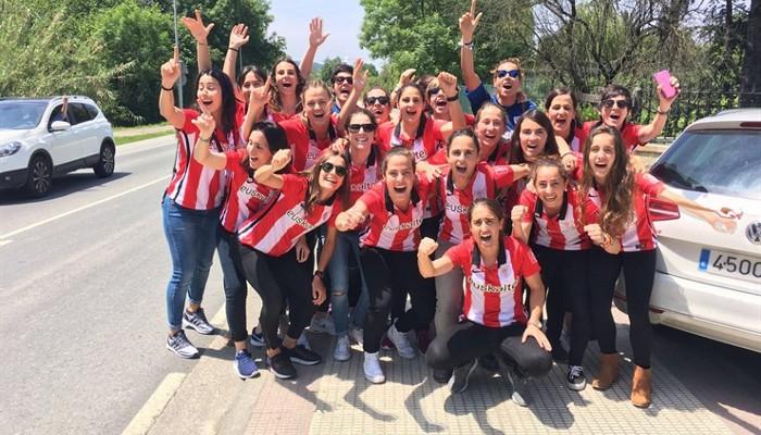 El Athletic femenino celebró el título en Lezama