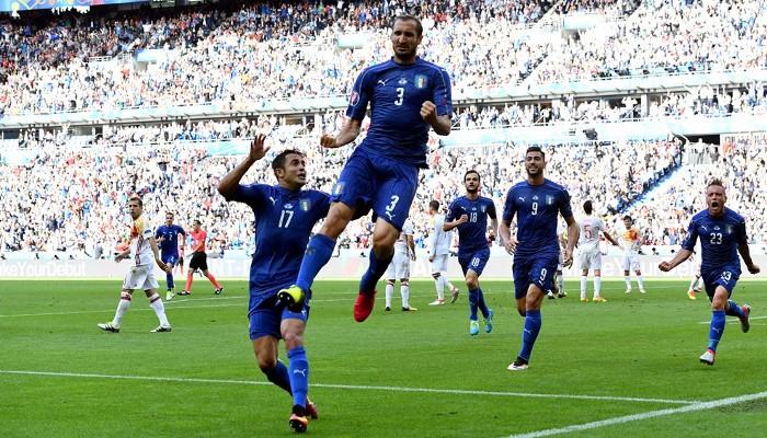 Chiellini marcó el primer gol de Italia
