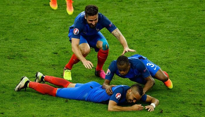 Payet marcó el gol de la victoria para Francia en su estreno en la Eurocopa