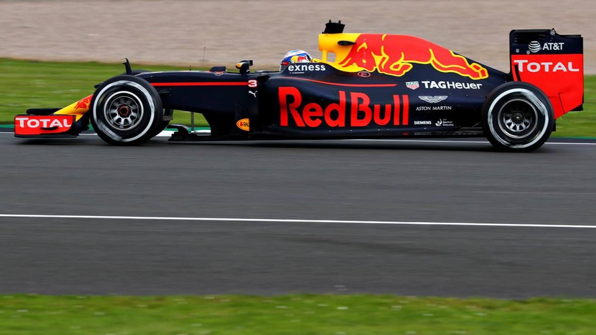 GP de Gran Bretaña 2016 de Fórmula 1: pole para Hamilton, Sainz 9º y Alonso 10º