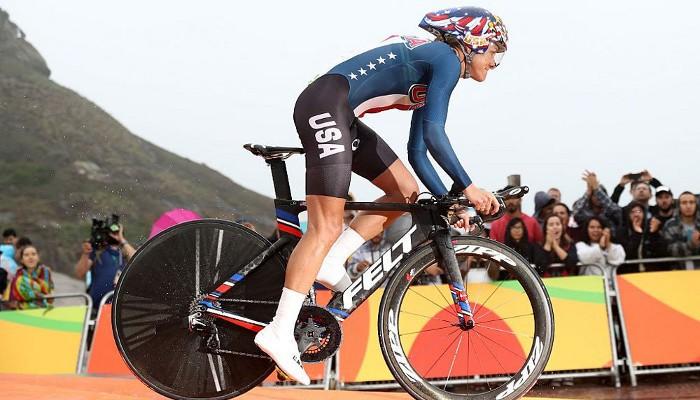 Armstrong gana la crono olímpica por tercera vez