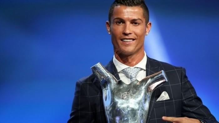 Cristiano Ronaldo fue galardonado por la UEFA
