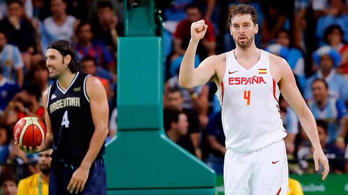 España pasa a los cuartos de final