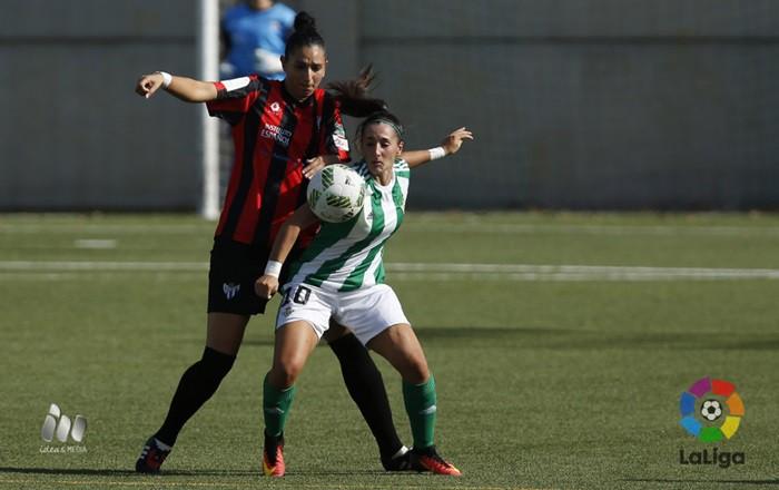 Trepidante partido entre Betis y Sporting de Huelva