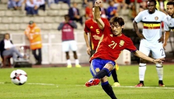 Silva marcó los dos goles de España en Bélgica