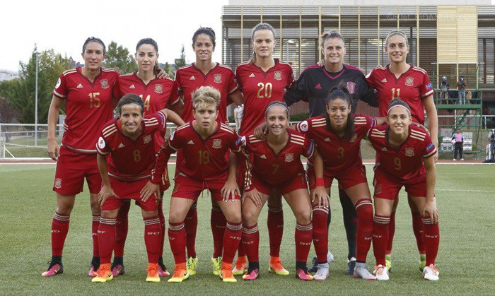 España pasó por encima de Montenegro