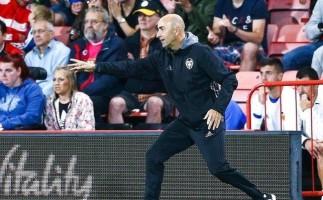 Cae el primer entrenador en Primera División: Pako Ayestarán, del Valencia CF