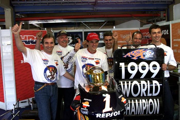 Álex Crivillé se proclama campeón del mundo