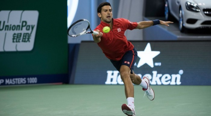 Djokovic a octavos en Shanghai