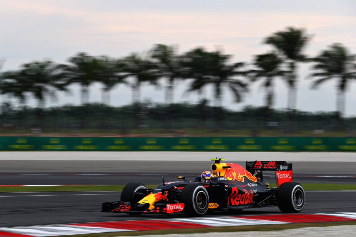 GP de Malasia 2016 de Fórmula 1: Hamilton consigue la pole, mala sesión para Sainz y Alonso
