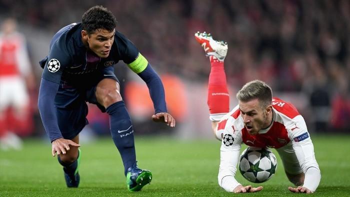 Arsenal y PSG siguen en pugna por la primera plaza de su grupo