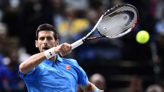 Djokovic a cuartos en Paris