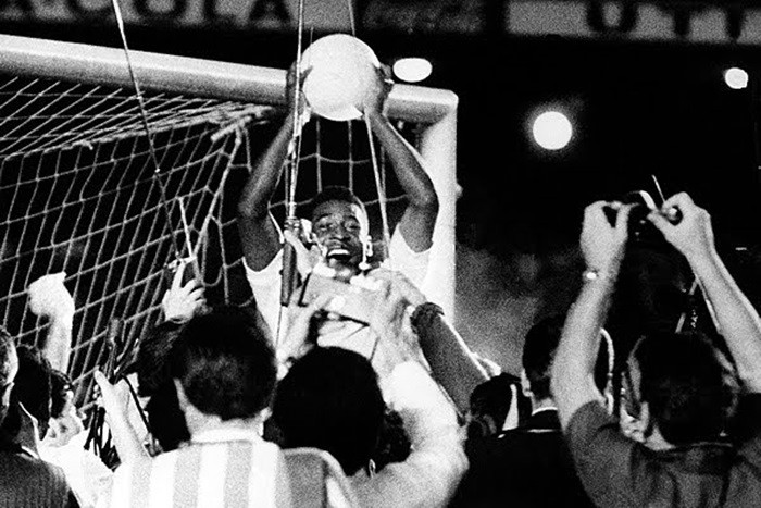 Tal día como hoy… Pelé hacía su gol 1000