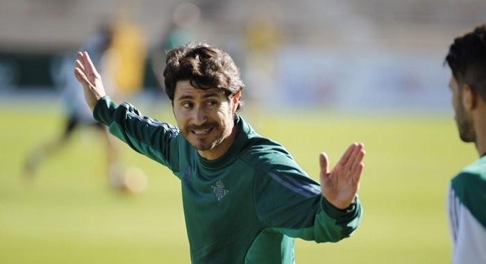 Víctor Sánchez del Amo ya ejerce de entrenador del Betis