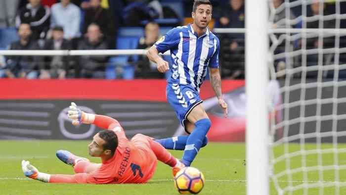 El Deportivo Alavés sorprendió al Villarreal a domicilio