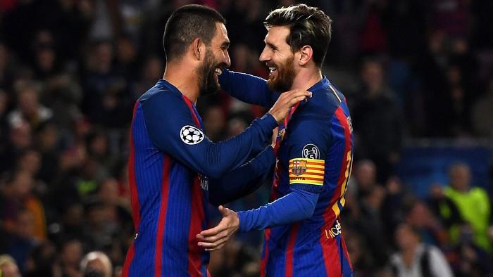 Messi y Arda fueron los protagonistas ante el Gladbach