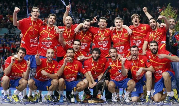 España celebra su oro sobre el parquet del Palau Sant Jordi