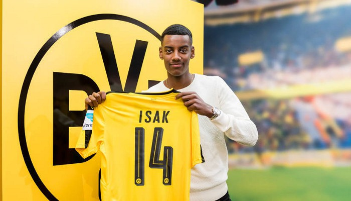 Isak en su presentación como jugador del Borussia Dortmund