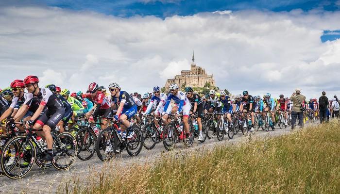 El pelotón durante el Tour de Francia 2016
