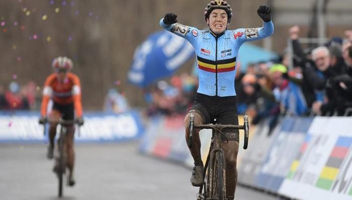 Sanne Cant es la nueva campeona del mundo de ciclocross