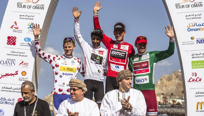 Ben Hermans en lo más alto del podio del Tour de Omán 2017