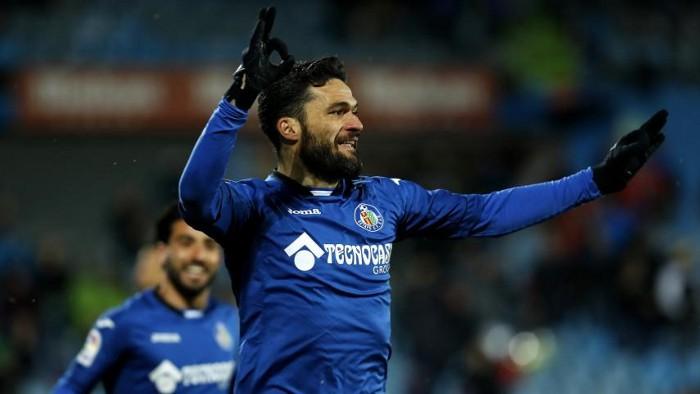 El Getafe ganó al Cádiz con un gol de Jorge Molina en el descuento