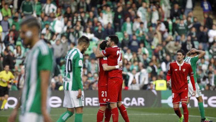 El Sevilla ganó al Betis el derby andaluz por 1-2