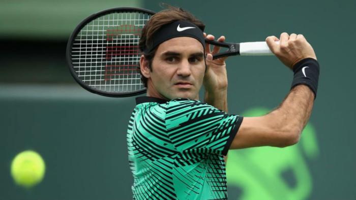 Federer a tercera ronda de Miami