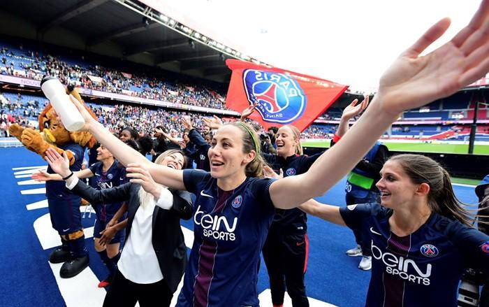 Las jugadoras parisinas celebran su pase a la final