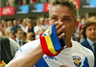Tal día como hoy... Colgaba las botas Roberto Baggio