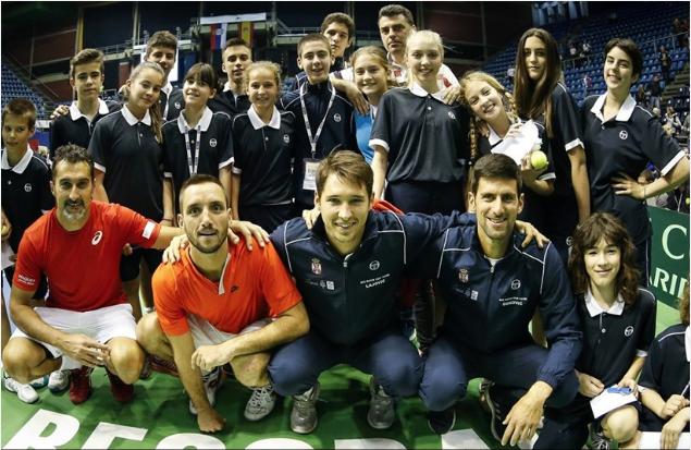 Serbia gana 3-0 a España