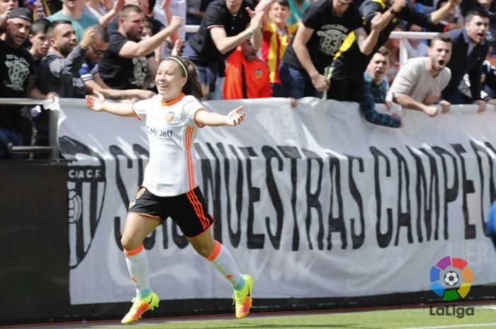 El Valencia goleó al Levante en Mestalla
