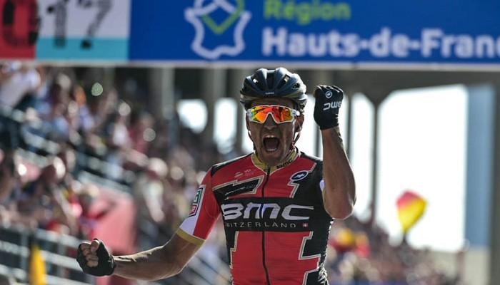 Van Avermaet se llevó la victoria de París - Roubaix