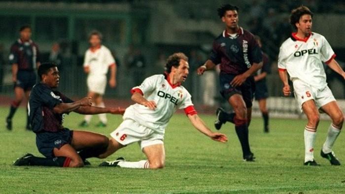 El Ajax, con gol de Kluviert, dejó al Milan sin Champions en 1995