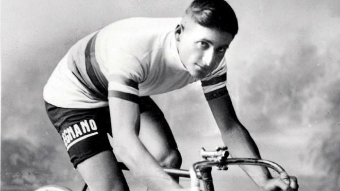 Alfredo Binda fue el primer dominador del Giro
