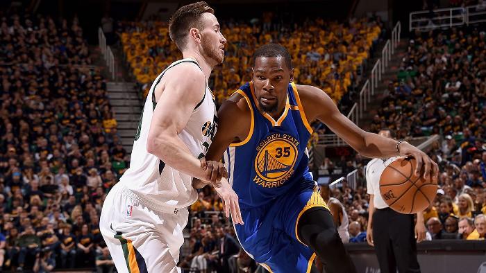 Los Warriors eliminaron a los Jazz por la vía rápida