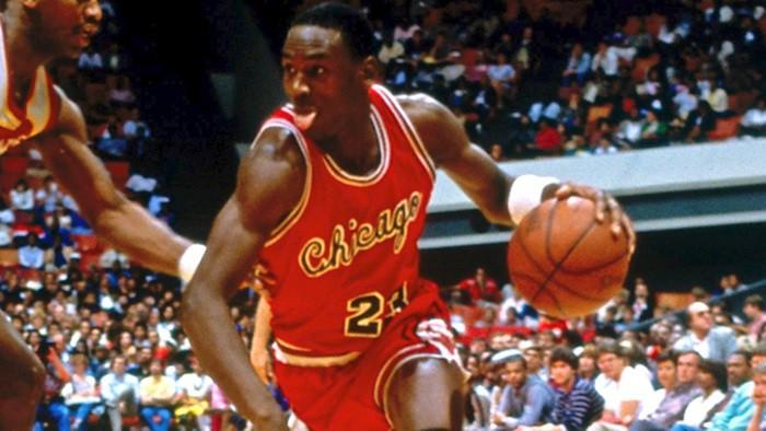 Michael Jordan en un partido contra Houston Rockets