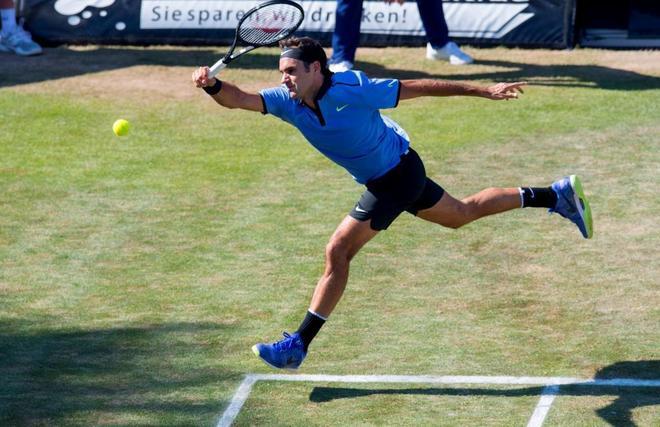 Federer cae en Stuttgart