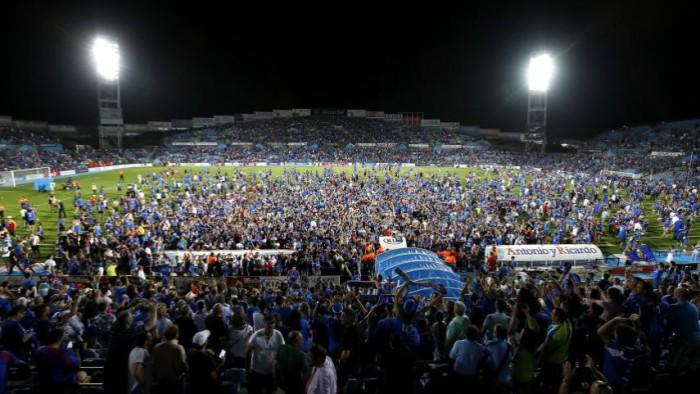 La afición del Getafe celebrando el regreso a Primera División de su equipo