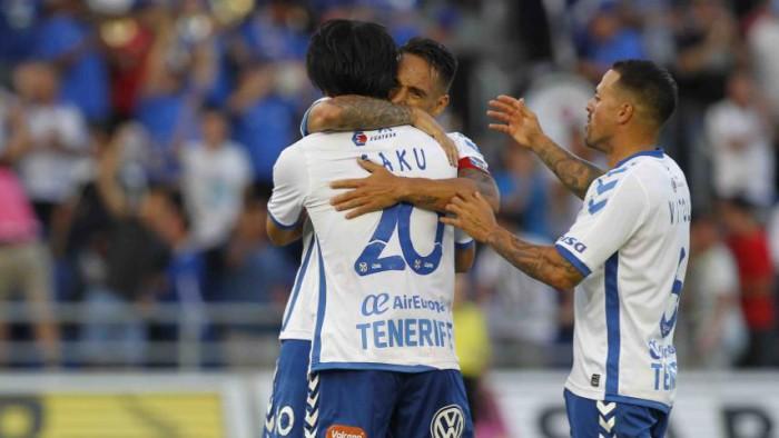 El Tenerife sigue en la lucha por el ascenso a Primera División