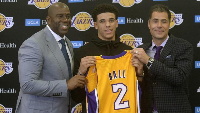 Lonzo Ball fue la elección de los Lakers con el número 2 del draft