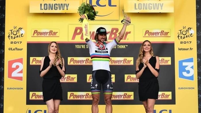 Peter Sagan ha sido expulsado del Tour de Francia 2017