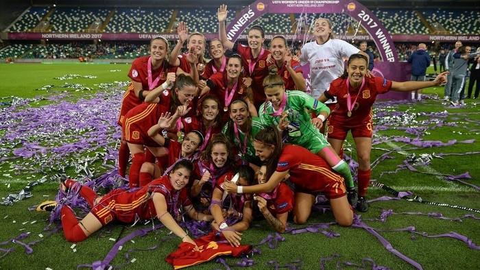 España celebra su victoria en el Europeo sub 19 femenino