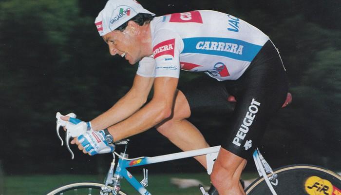 Stephen Roche logró la triple corona del ciclismo en 1987